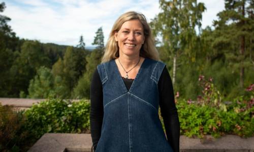 Hilde Christie Wright snakker om viktigheten av en klart definert Tone of Voice, eller fortellerstemme som det heter på norsk.
